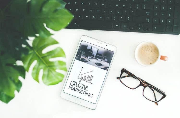 Планшет с online-marketing