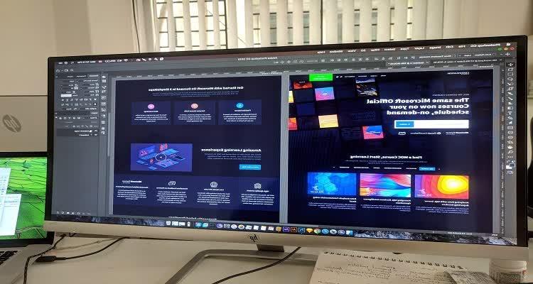 Широкополосный экран с графикой